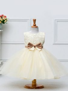 Graceful Champagne Tulle Zipper Little Girls Pageant Gowns Sleeveless Knee Length Lace and Bowknot