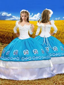 Blue And White Lace Up Off The Shoulder Embroidery and Ruffles Little Girl Pageant Gowns Taffeta 3 4 Length Sleeve