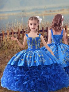 Blue Sleeveless Fabric With Rolling Flowers Sweep Train Lace Up Pageant Gowns For Girls for Wedding Party