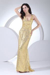 V-neck Gold Pageant Dresses with Paillettes for Miss World in Edgemont