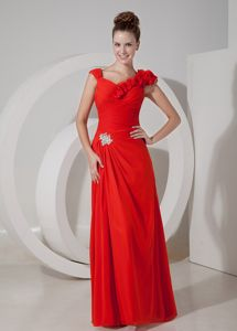 Empire V-neck Appliqued Red Pageant Dresses for Miss World in Cortaro