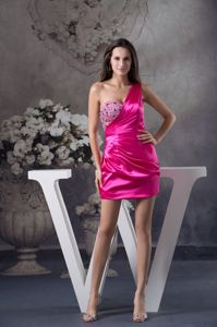 Short taffeta Fuchsia One Shoulder Pageant Dresses with Rhinestone in Salem