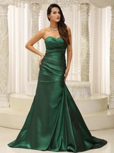 Hunter Green Ruched Bodice Sweetheart Sweep Train Miss Universe Pageant Dresses