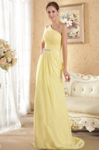Yellow Column One Shoulder Brush Train Pageant Dresses For Girls with Beading