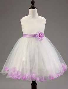 Fashionable Sleeveless Tulle Knee Length Zipper Evening Gowns in White and Lavender with Beading and Hand Made Flower