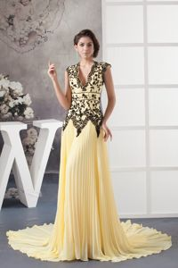 Chiffon V-neck Light Yellow Pleated Prom Pageant Dress in Droitwich