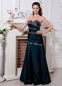 Emerald Green Glitz Pageant Dresses with Ruching and Embroidery