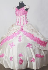 Off The Shoulder Ball Gown Floor-length Little Girls Pageant Dresses with Appliques in Union