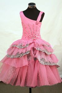 Asymmetrical Rose Pink Organza Little Girls Pageant Dresses with Beaded Decorate in Rome