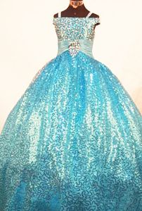 Gorgeous Beaded Off-the-shoulder Beauty Pageants Dresses with Paillettes