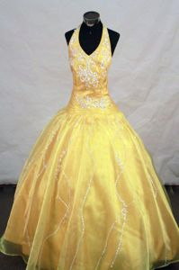 Yellow Halter Top Long Beauty Pageants Dresses with Appliques in Plymouth