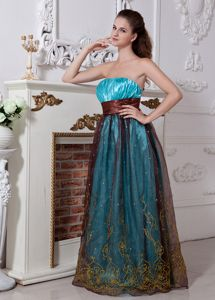 Blue Strapless Pageant Dresses For Miss World with Embroidery and Beading