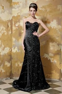 Elegant Black Sweetheart Brush Train Beauty Pageant Dresses with Beading