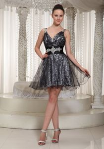 V-neck A-line Mini-length Style Organza Pageant Dress in Black in Flagstaff