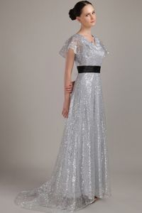 Grey V-neck Brush Train Sequined Belt Girl Pageant Dress in Fultondale