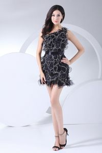 One Shoulder Ruffled Black Organza Mini-length Interview Pageant Suits