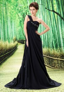 Brampton Black One-Shoulder Brush Train Pageant Dress for Prom with Appliques