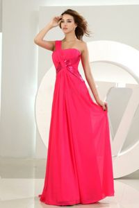 Hot Pink One-Shoulder Beaded Floor-Length Pageant Dress Patterns in Surrey