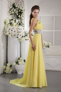 Halter Beaded and Ruched Beauty Pageant Dresses in Yellow in Antioch