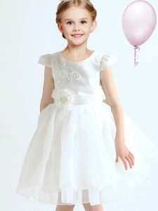 Scoop Cap Sleeves Mini Length Zipper Kids Pageant Dress White for Party and Quinceanera and Wedding Party with Appliques and Bowknot and Hand Made Flower